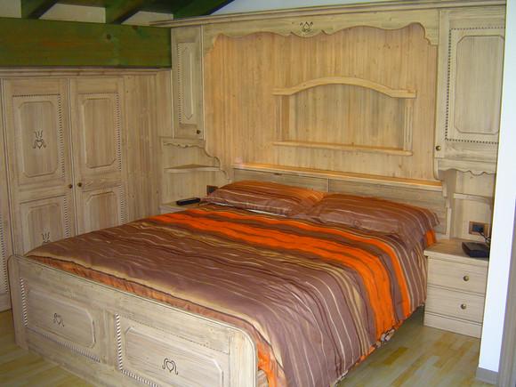 Realizzazione mobili su misura per camere da letto- Arredamenti Gubert